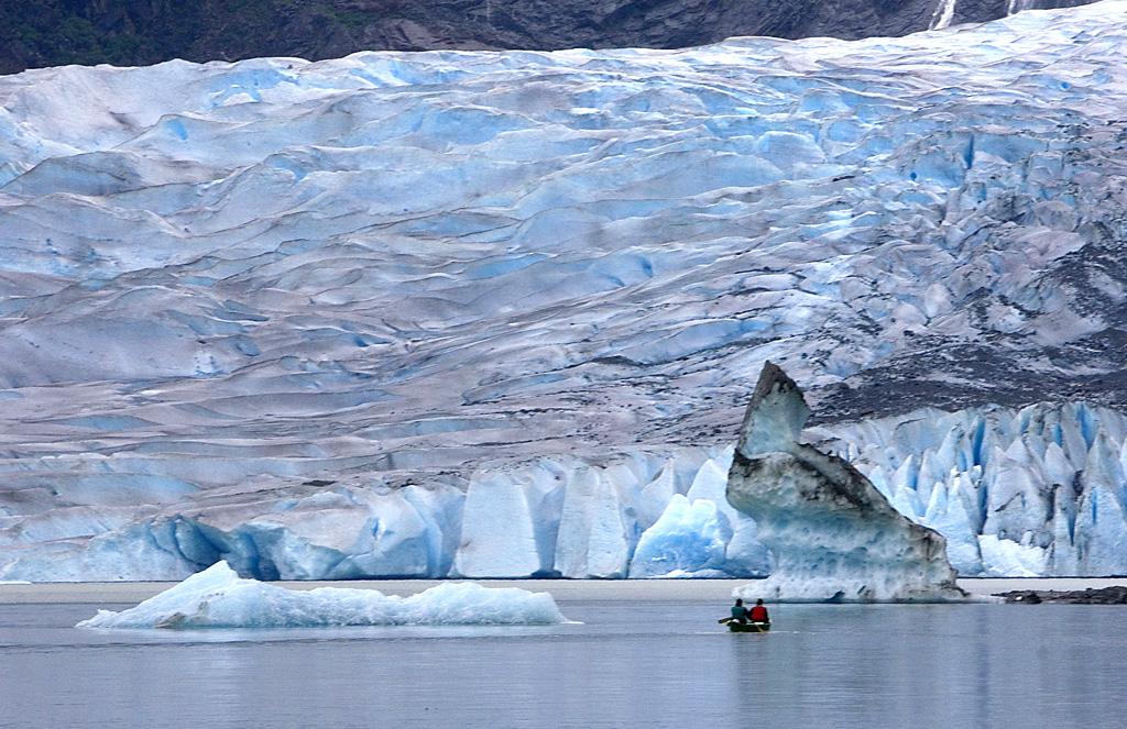 4903_Kayak_Mendenhall_Glacier